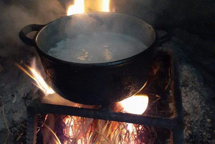 Nấu cơm bằng nồi gang, ai còn nấu ? 59
