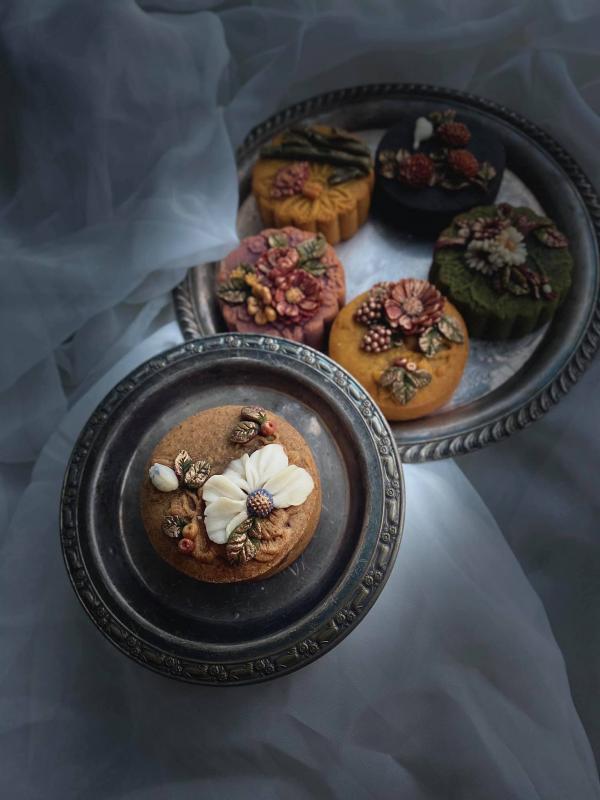 Bánh Trung Thu phong cách hoa hiện đại, đẹp xuất sắc 11