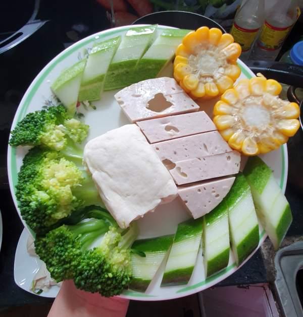 Bữa ăn cho trẻ - Bữa ăn giảm cân cho bé 8 tuổi 4