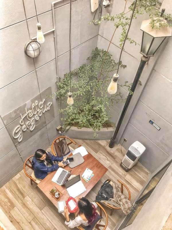 [Review] - BACKYARD COFFEE Thái Hà, quán cafe ngoài trời có ban công, view đẹp 3