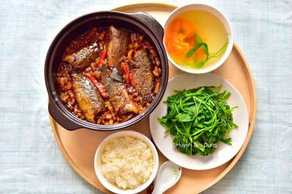 Công Thức Cá kho tộ với thịt ba rọi cực chất lừ 8