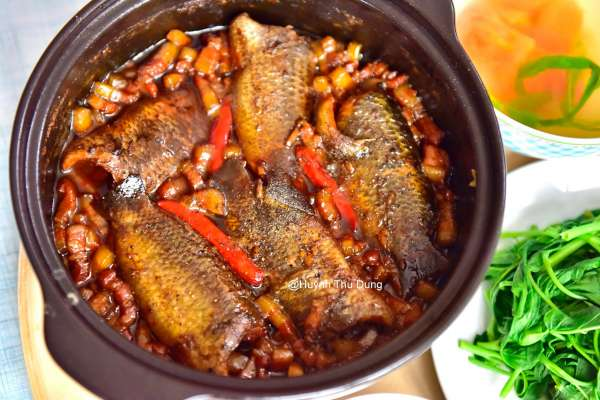 Công Thức Cá kho tộ với thịt ba rọi cực chất lừ 2