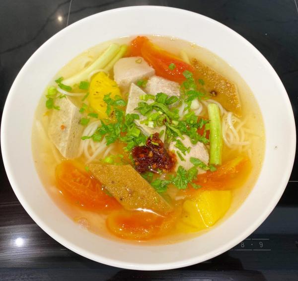 Cách làm Bún Cá tại nhà, Nước dùng trong vắt chua nhẹ 3