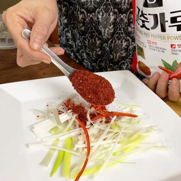 Cách làm Kim chi củ cải Hàn Quốc vị Tôm 11