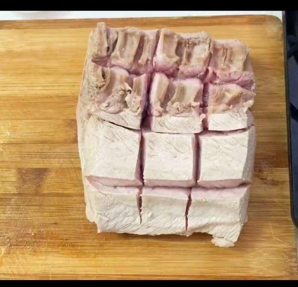 [Công Thức] Cách làm Thịt Heo Quay giòn rụm với nồi chiên không dầu 5