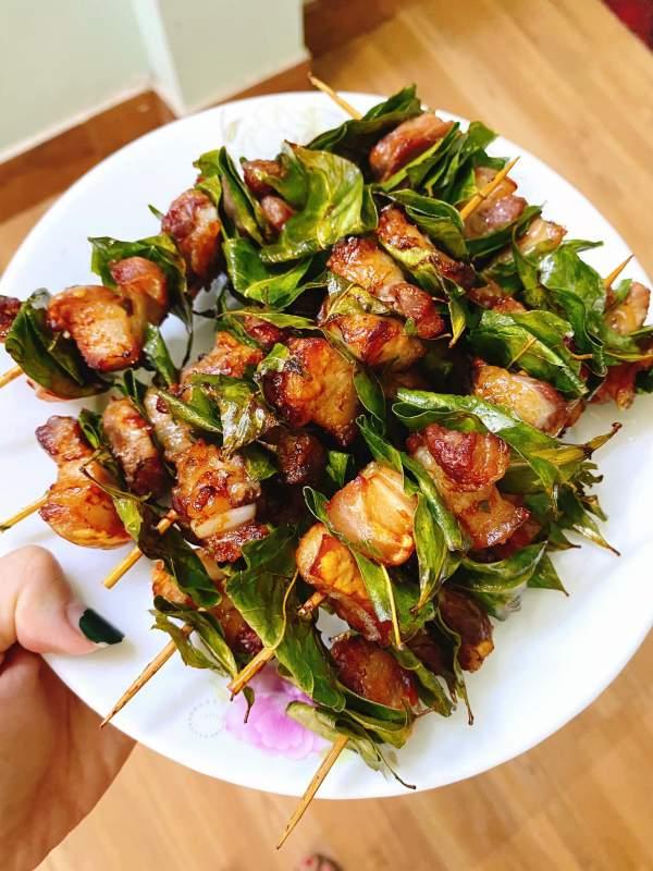 [Công Thức] Cách làm Thịt xiên lá móc mật 2
