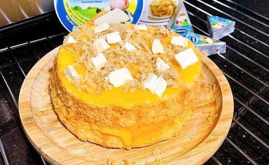 Cách làm bánh bông lan trứng muối topping phô mai con bò cười 50