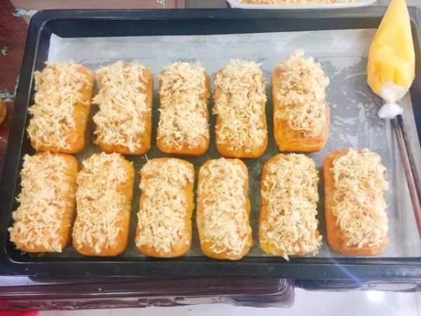 [Công Thức] - Cách làm bánh mỳ sốt phô mai cực ngon 5