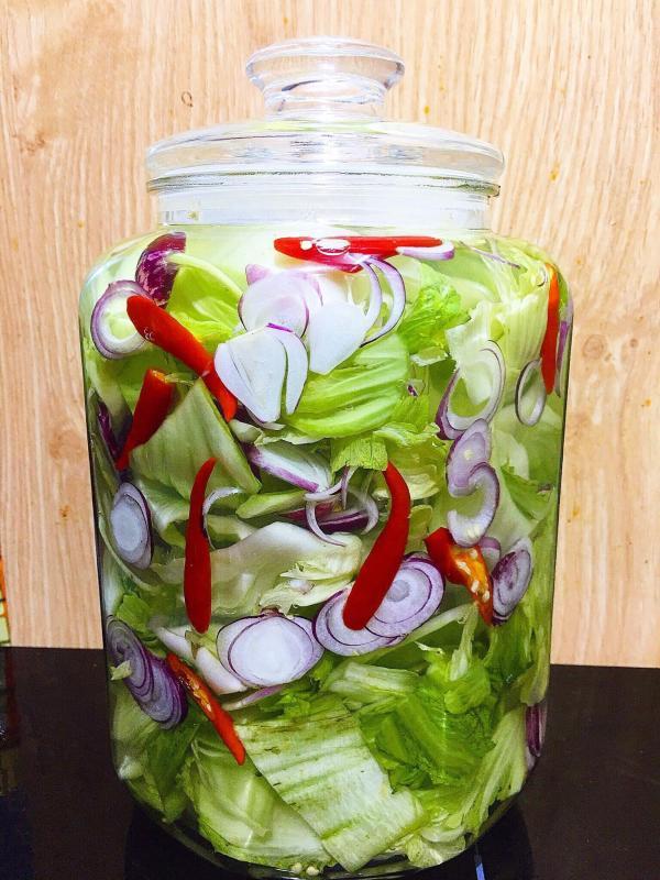 Cách làm dưa cải muối chua tại nhà cực ngon 6