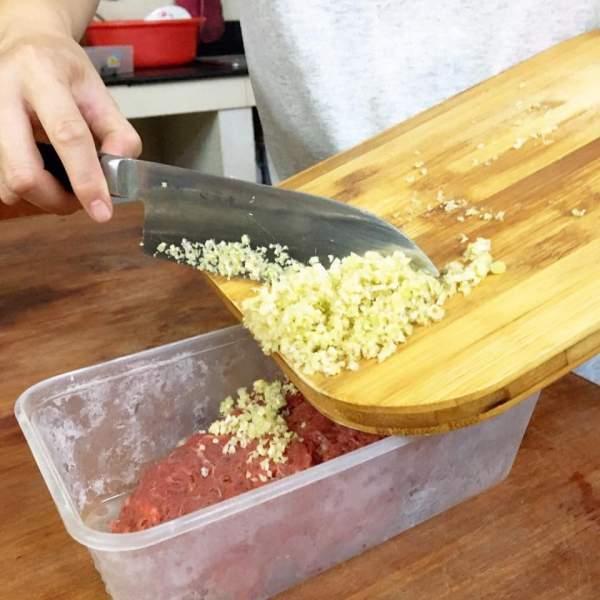 [Công Thức] Cách làm món Bò nướng lá cách 4
