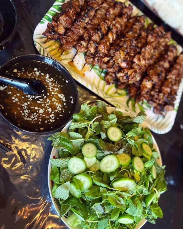 [Công Thức] Cách làm món Thịt Xiên Nướng ngon hơn ngoài hàng 4