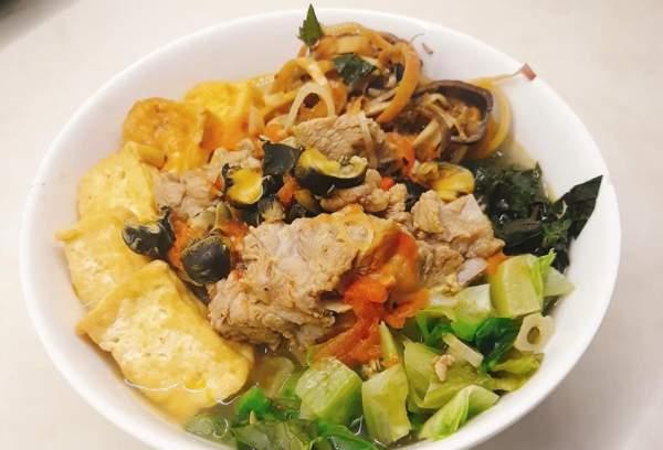 Cách nấu Bún Ốc Sườn tại nhà ngon, món đặc biệt của Hà Thành 55