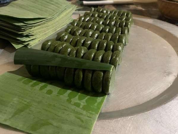 [Công Thức] Cách làm bánh lá Ngải Cứu - Bánh Ngải 2