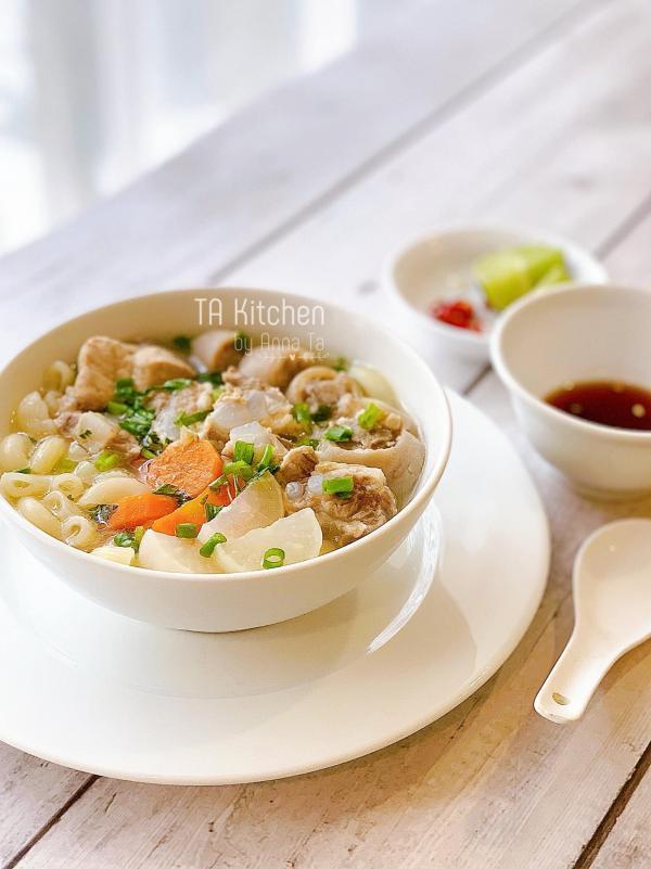 [Công Thức] Cách nấu Nui Sườn Sụn Đuôi Heo ngon 3