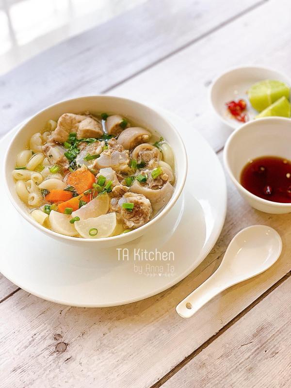 [Công Thức] Cách nấu Nui Sườn Sụn Đuôi Heo ngon 4