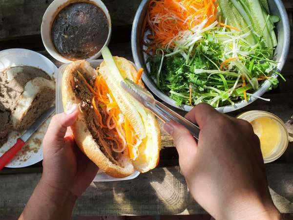 Bí quyết làm chiếc bánh mỳ Sài gòn cực ngon 7