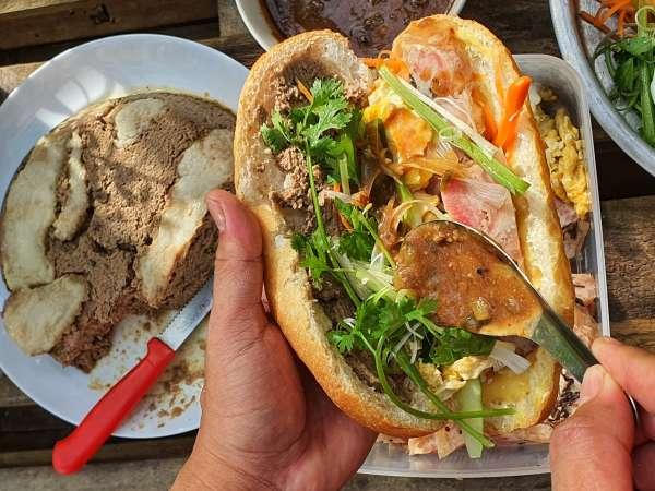 Bí quyết làm chiếc bánh mỳ Sài gòn cực ngon 8