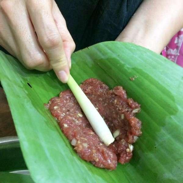 Cách làm Chạo bò nướng sả,  Bò cuộn sả nướng, Nem Bò nướng sả 3