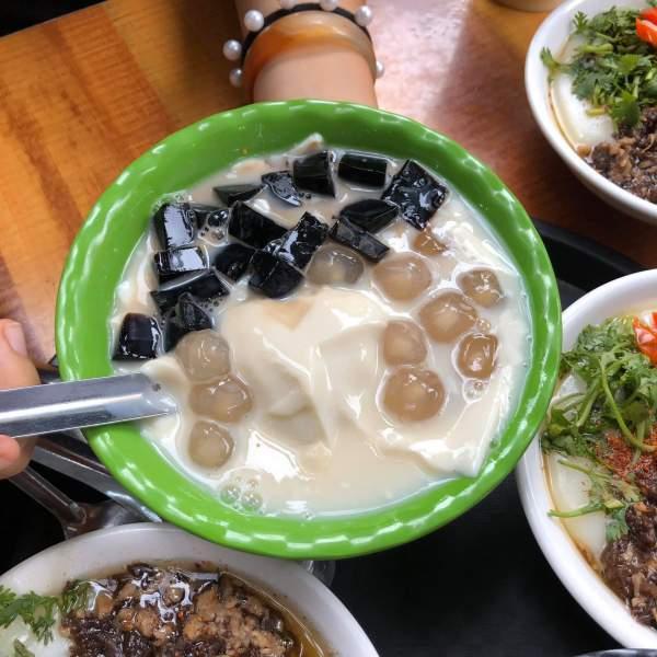 [Review] - Hàng Bánh Đúc Ngon Trương Định, nóng hổi đậm đà 3