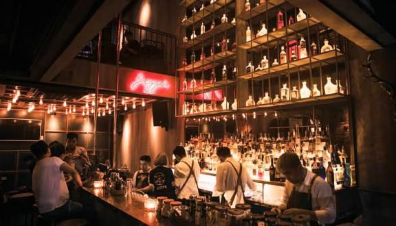 Top Địa chỉ các quán Rượu, Bar để hẹn hò, yêu đương 5