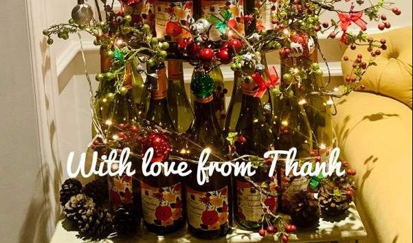 Làm Cây thông Noel từ 20 Vỏ Chai Rượu Vang 50