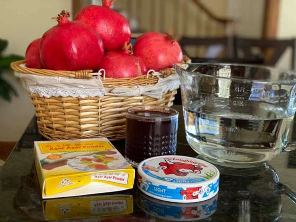 Làm nước uống với Trái Lựu, Rượu Lựu và Jelly lựu & phô-mai 4
