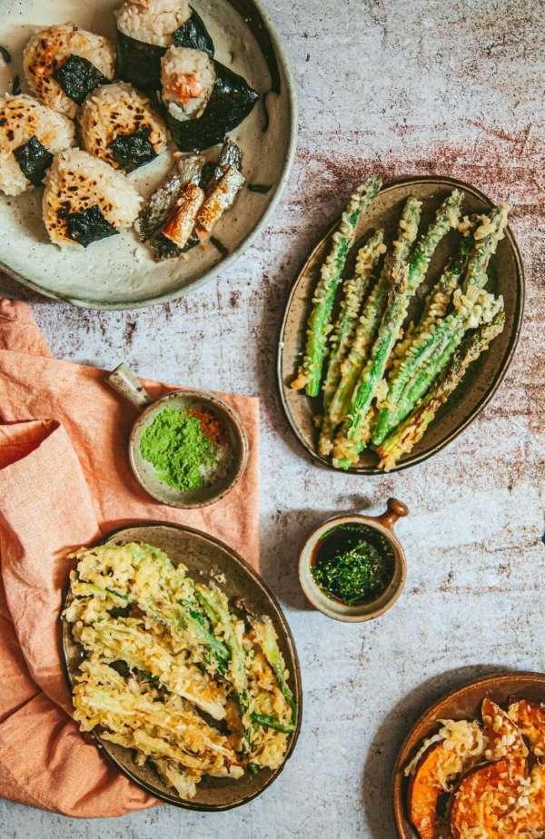 Cách làm Món cơm nắm cá và tempura rau củ 2