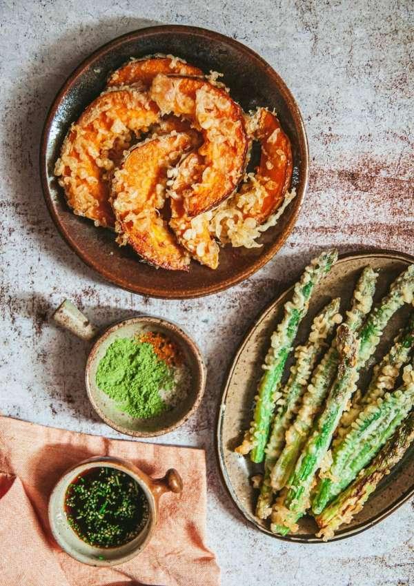 Cách làm Món cơm nắm cá và tempura rau củ 3
