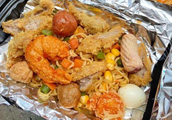 [Review] - Mì Indo trộn bánh gà, mì Indo trộn nem chua rán, 4C Đặng Văn Ngữ 54