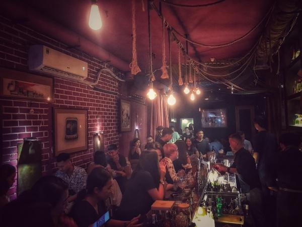 Top Địa chỉ các quán Rượu, Bar để hẹn hò, yêu đương 4