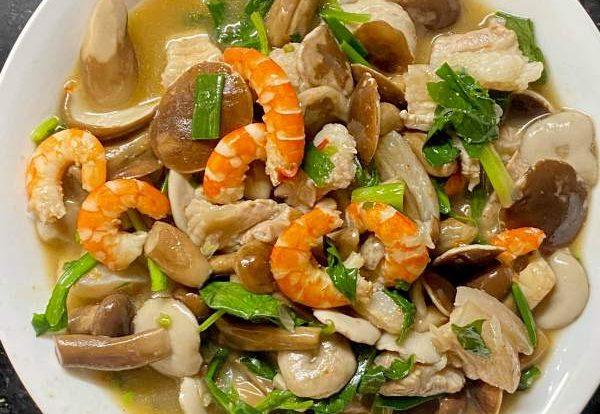 Nấu ăn với Nấm tràm, Nấm tràm xào tôm thịt, Cháo giò heo nấm tràm 5