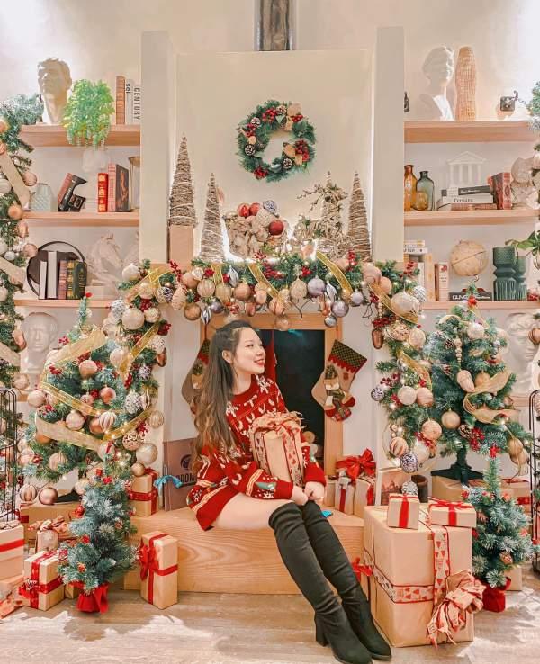 OROMIA COFFEE & LOUNGE - Quán Cafe Sống Ảo Mùa Noel Đây ĂĂ 5