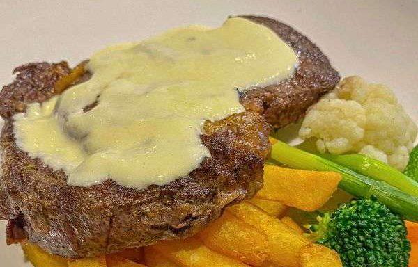 [Review] - Địa điểm hẹn hò đẹp - The Galleon Dining Lounge - Ngõ 36 Giang Văn Minh 11