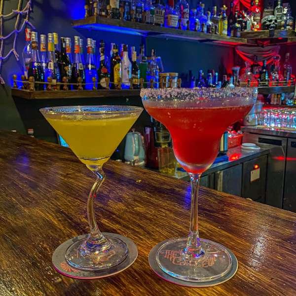 [Review] - Địa điểm hẹn hò đẹp - The Galleon Dining Lounge - Ngõ 36 Giang Văn Minh 3