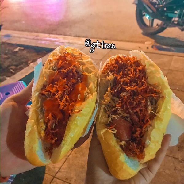 """[Review] - BÁNH MỲ """"CHỬI"""" 7K HÀ ĐÔNG, Bánh mỳ U Xuân - Đầu ngõ phố Bà Triệu 2"""