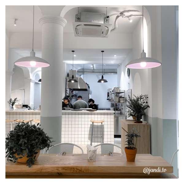[Review] - Gather, 28A Hạ Hồi. Tổ hợp cafe - studio - spa 4