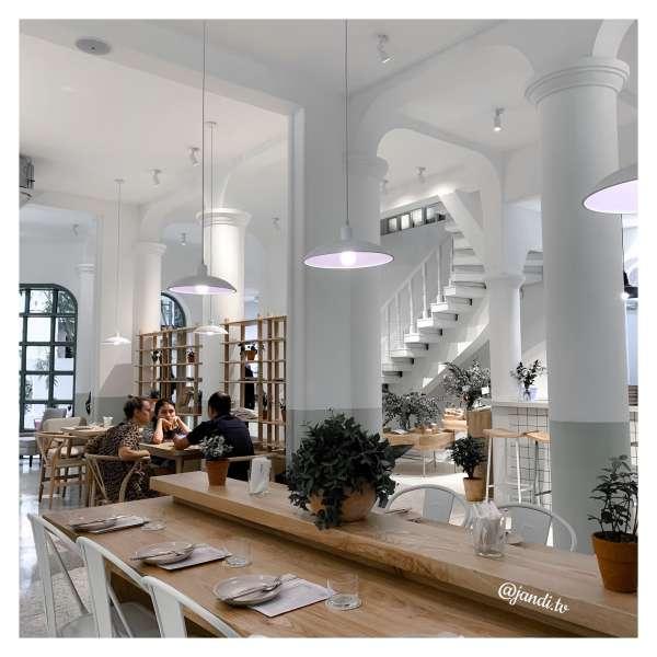 [Review] - Gather, 28A Hạ Hồi. Tổ hợp cafe - studio - spa 3