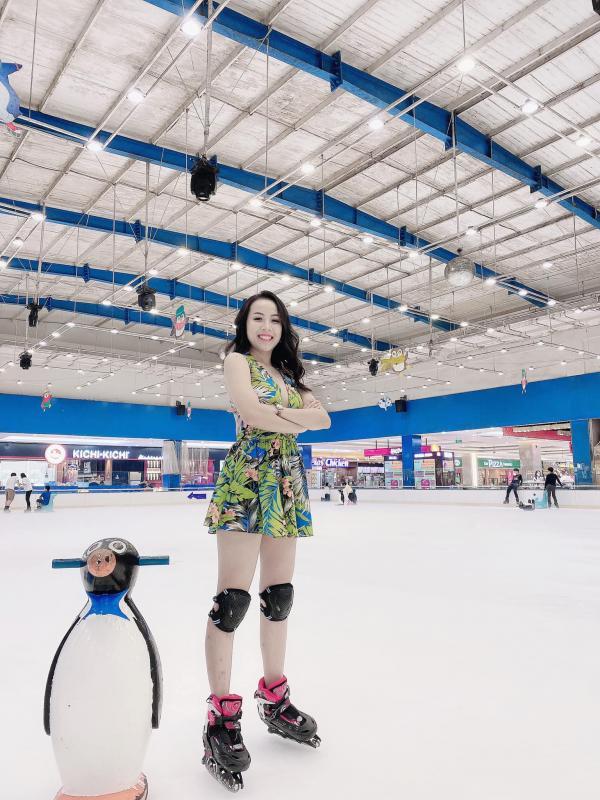 [Review] - Khu trượt băng ở lầu 5 Vincom Mega Mall Quận 2 3