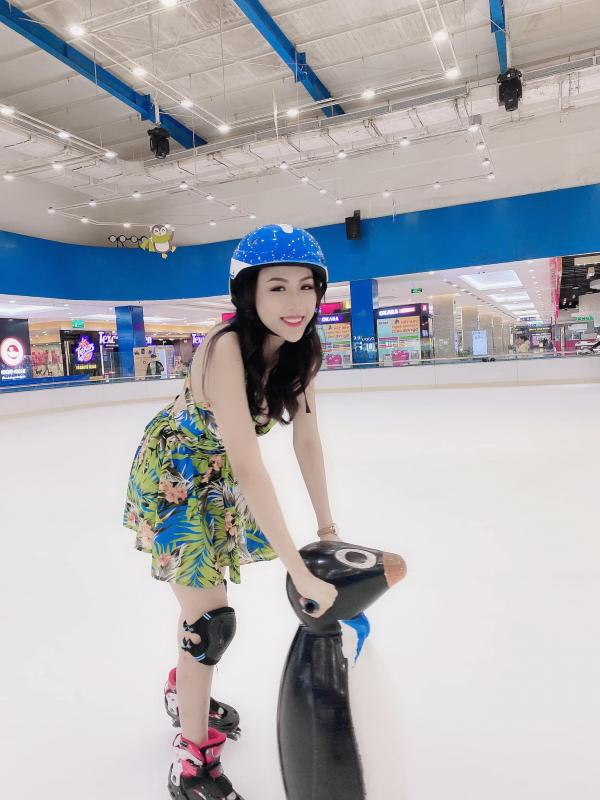 [Review] - Khu trượt băng ở lầu 5 Vincom Mega Mall Quận 2 4