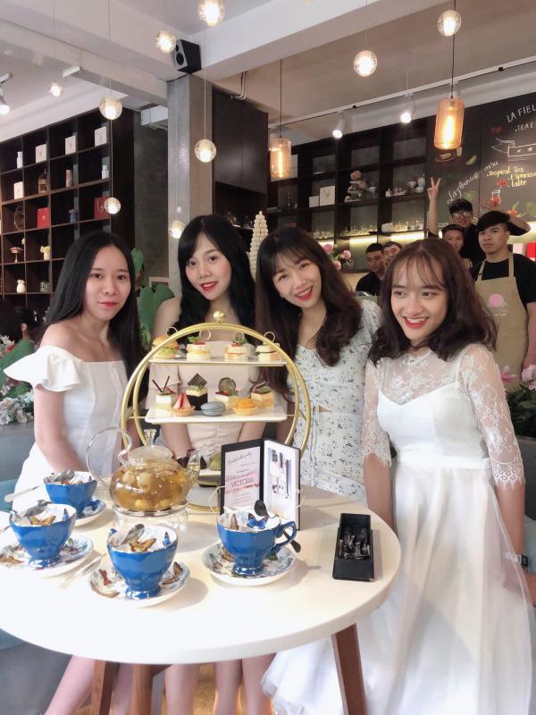 [Review] - La Fleur Tea and Dessert Cafe, 22B Hai Bà Trưng 9