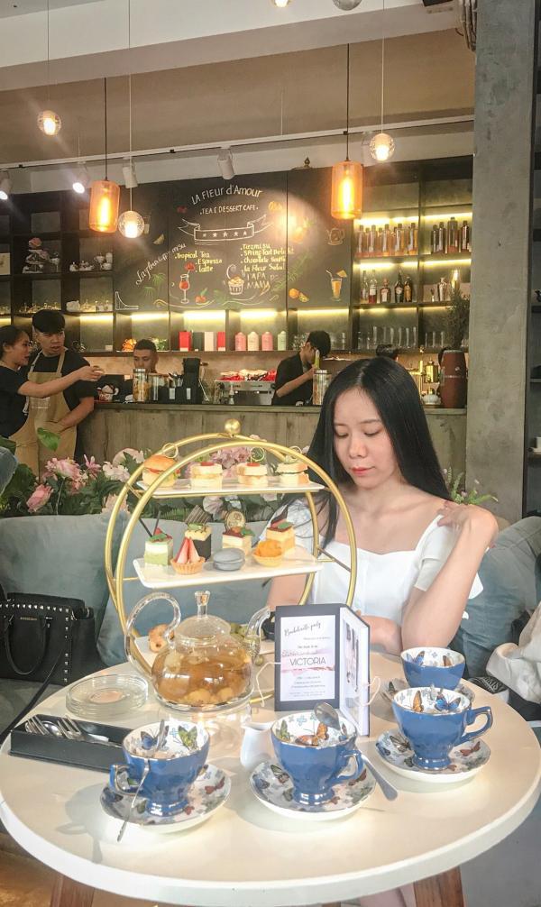 [Review] - La Fleur Tea and Dessert Cafe, 22B Hai Bà Trưng 8