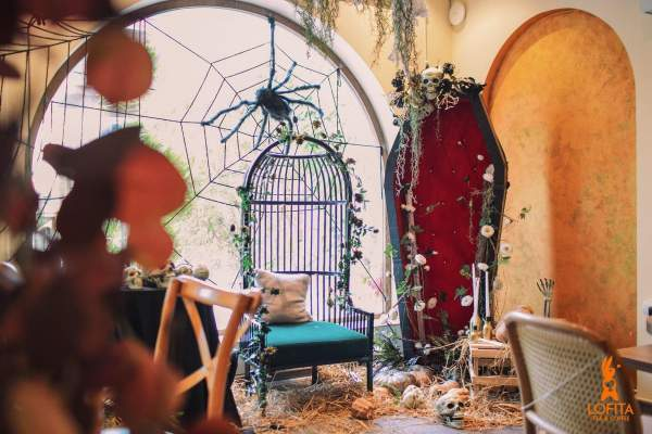 [Review] - Quán cafe decor Halloween,36 Hào Nam 16