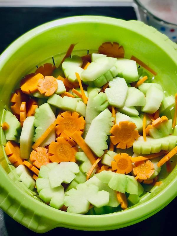 Cách làm Su Su muối chua ngọt cực ngon 8
