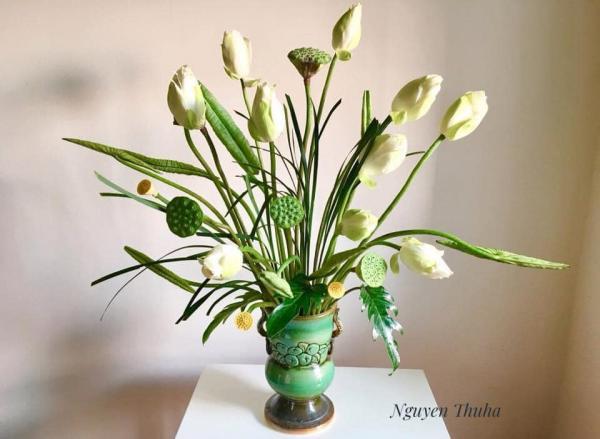 Tổng hợp Cách cắm Hoa Sen cực đẹp, Cắm Bình Hoa Sen Đẹp 5