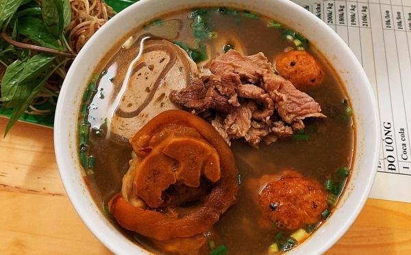 [Review] - Tổng hợp các quán Bún Bò ngon ở Hà Nội 7