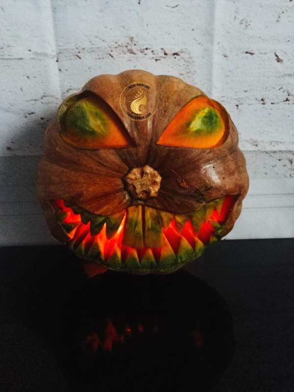 Trang trí cho quả bí đỏ mùa Halloween 4