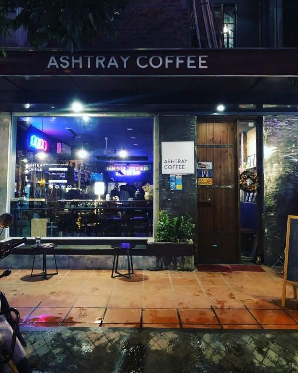 [Review] - Ashtray Coffee, Bar nhỏ trong ngõ 170 Hoàng Ngân 3
