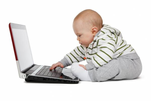 Trẻ em có nên cho xem tivi, ipad màn hình điện tử quá sớm ? Tại sao nên cấm ? 57