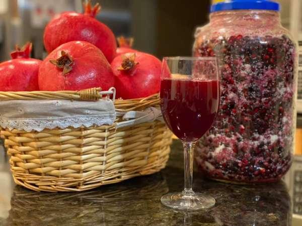 Làm nước uống với Trái Lựu, Rượu Lựu và Jelly lựu & phô-mai 1